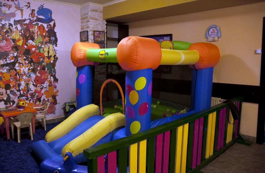 Loc de joaca pentru copii la Trattoria il Calcio Obor
